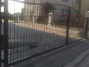 Brama  dwuskrzydłowa panelowa typ Fala